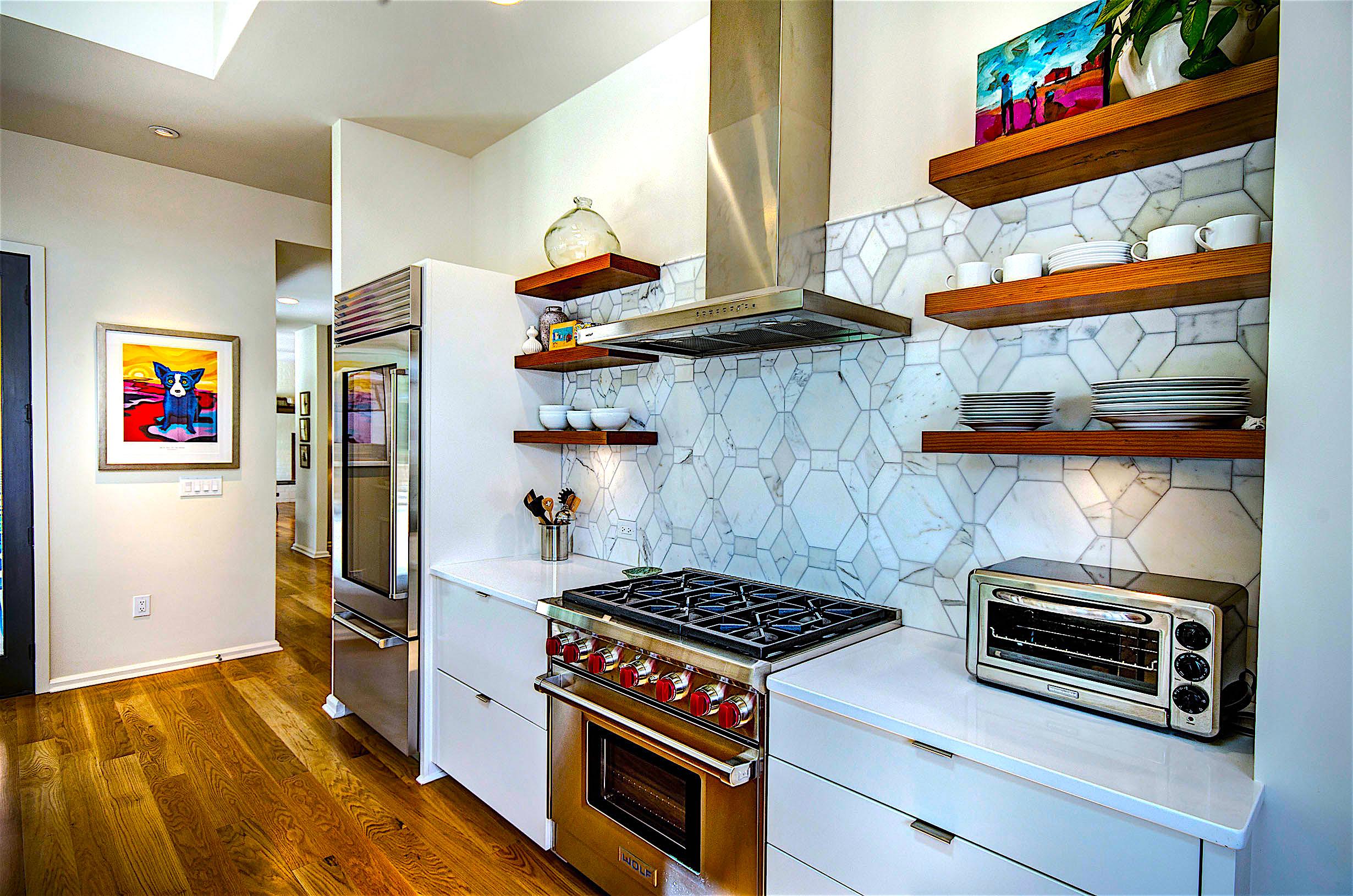 9. Kitchen.jpg