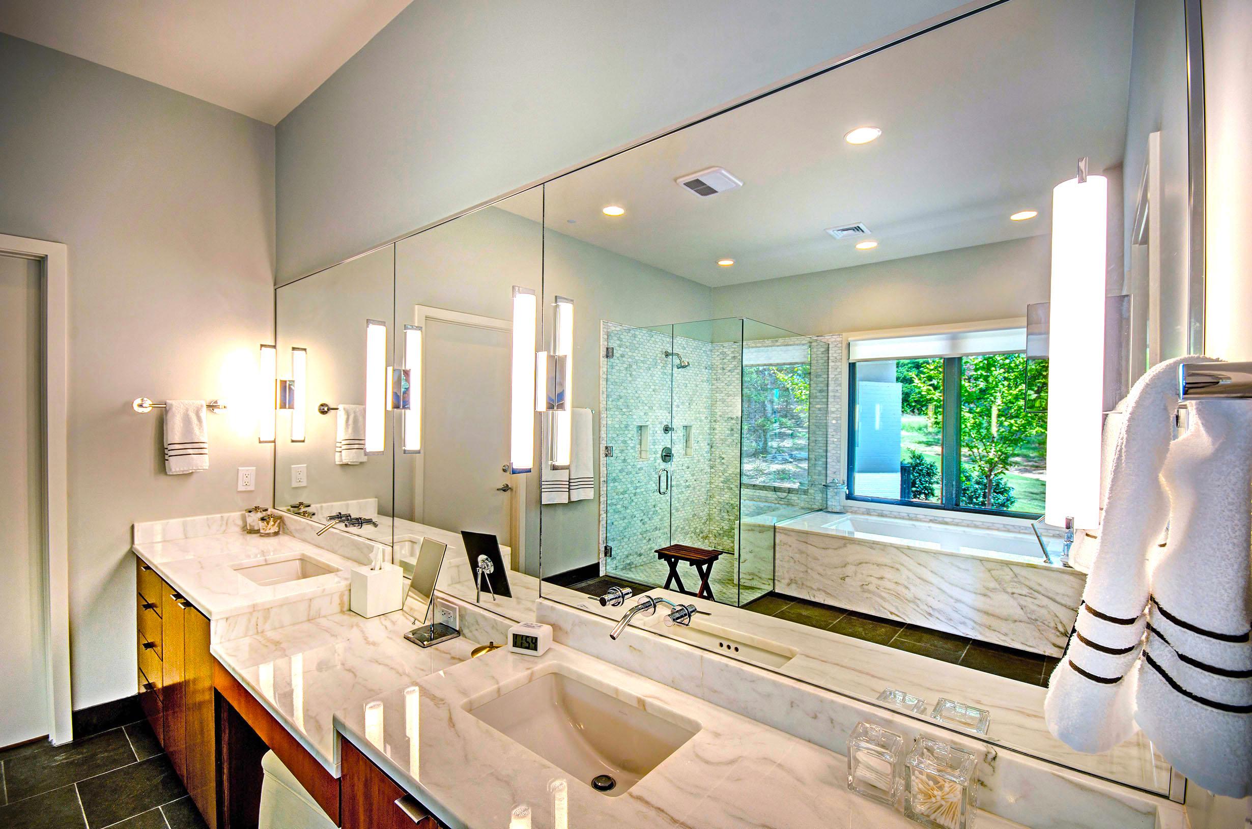 15. Master Bathroom.jpg