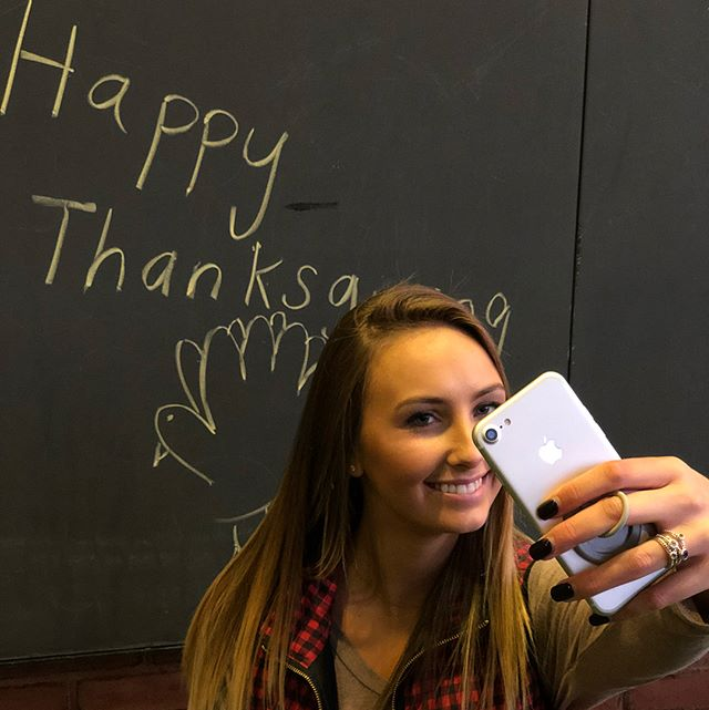 Happy Thanksgiving! Use code SOCIAL20 for 20% off all orders this weekend!  @briannabenz . . . . . #securedbyloophole #loopholeusa #madeinusa #madeinamerica #thanksgiving #happy #selfie #phone #apple #girl #girls #deal #discount #save