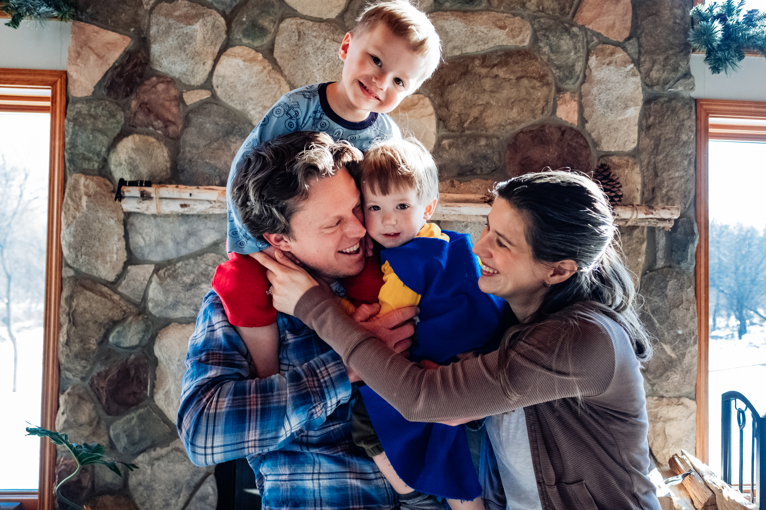 Family hugging. Detroit Auburn Hills Family Photographer.