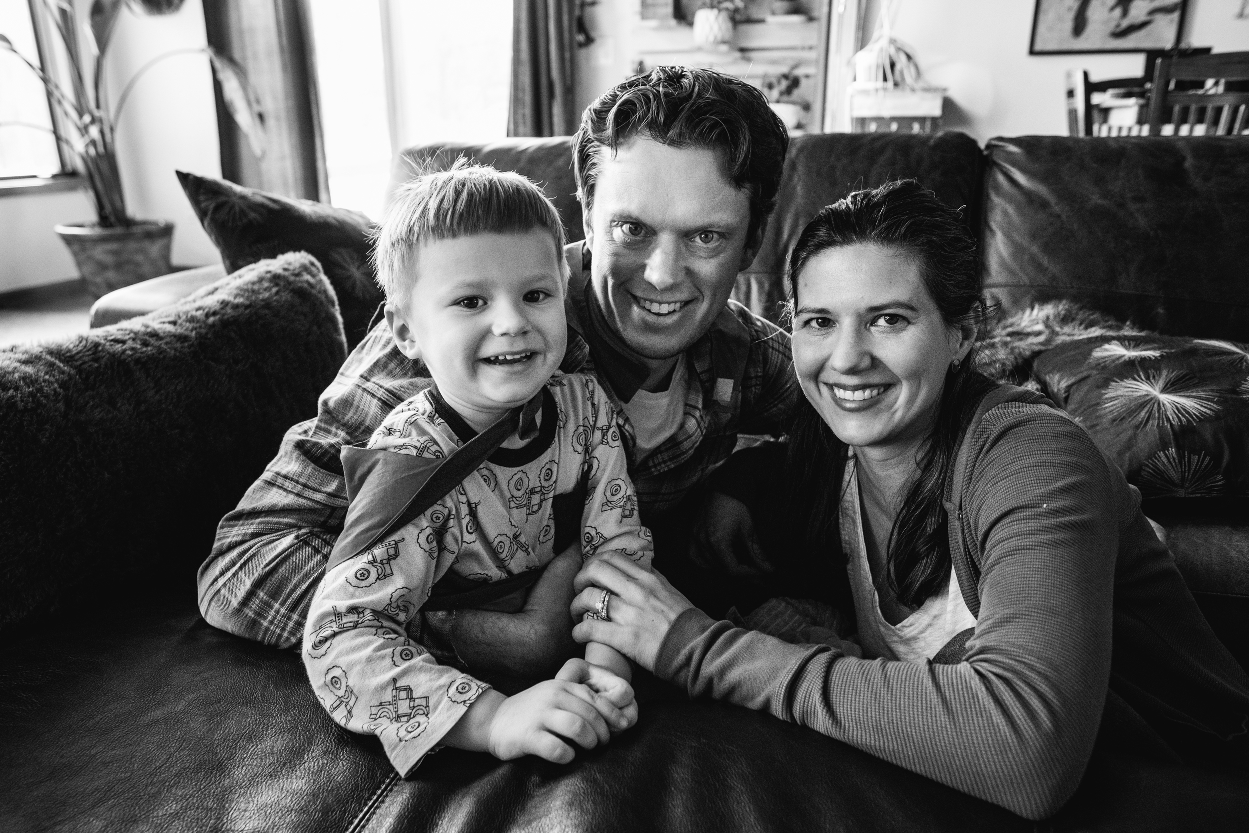 Mom, dad, and little boy. Detroit Auburn Hills Family Photographer