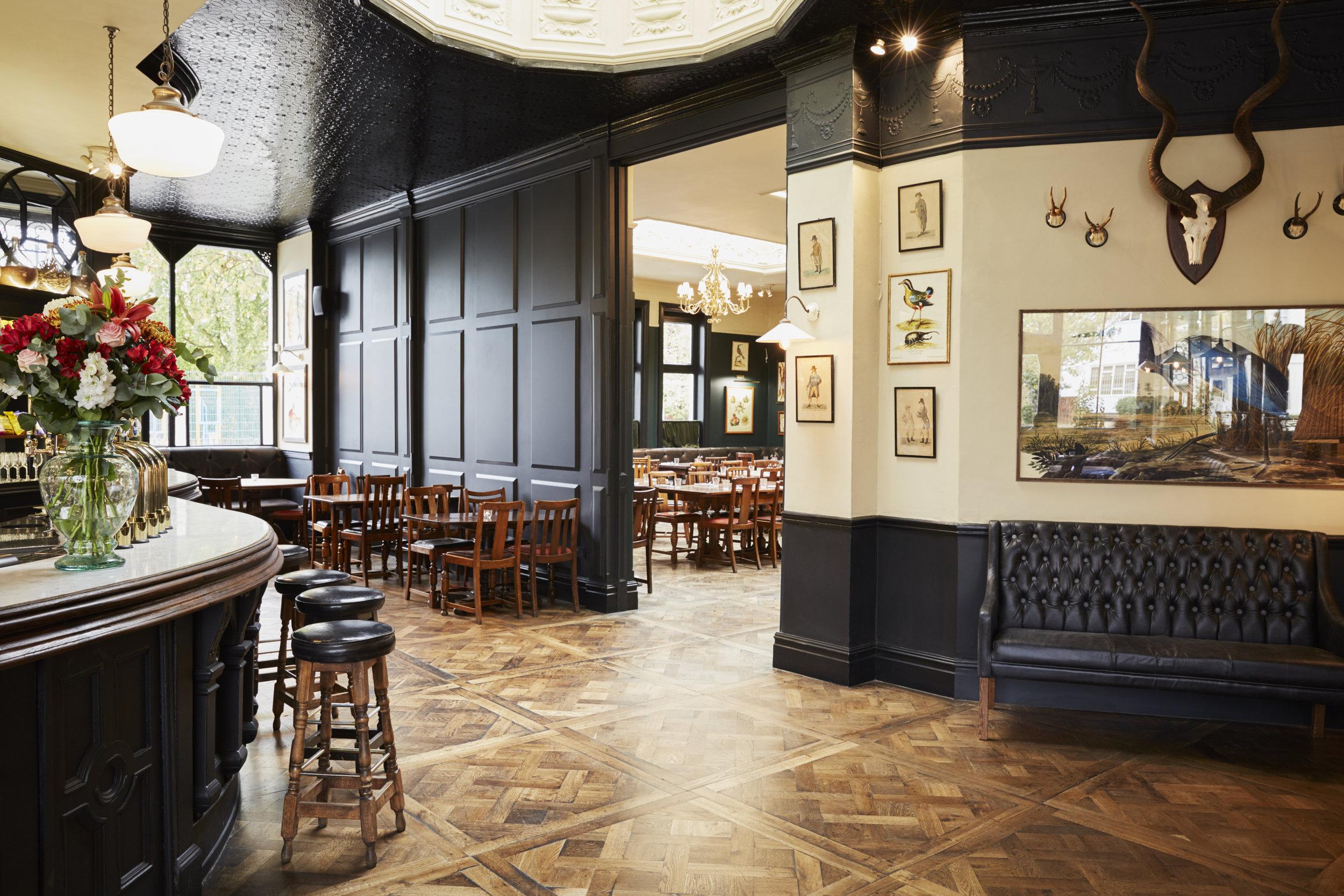 The-bar-at-The-Princess-Victoria-Shepherds-Bush-1.jpg