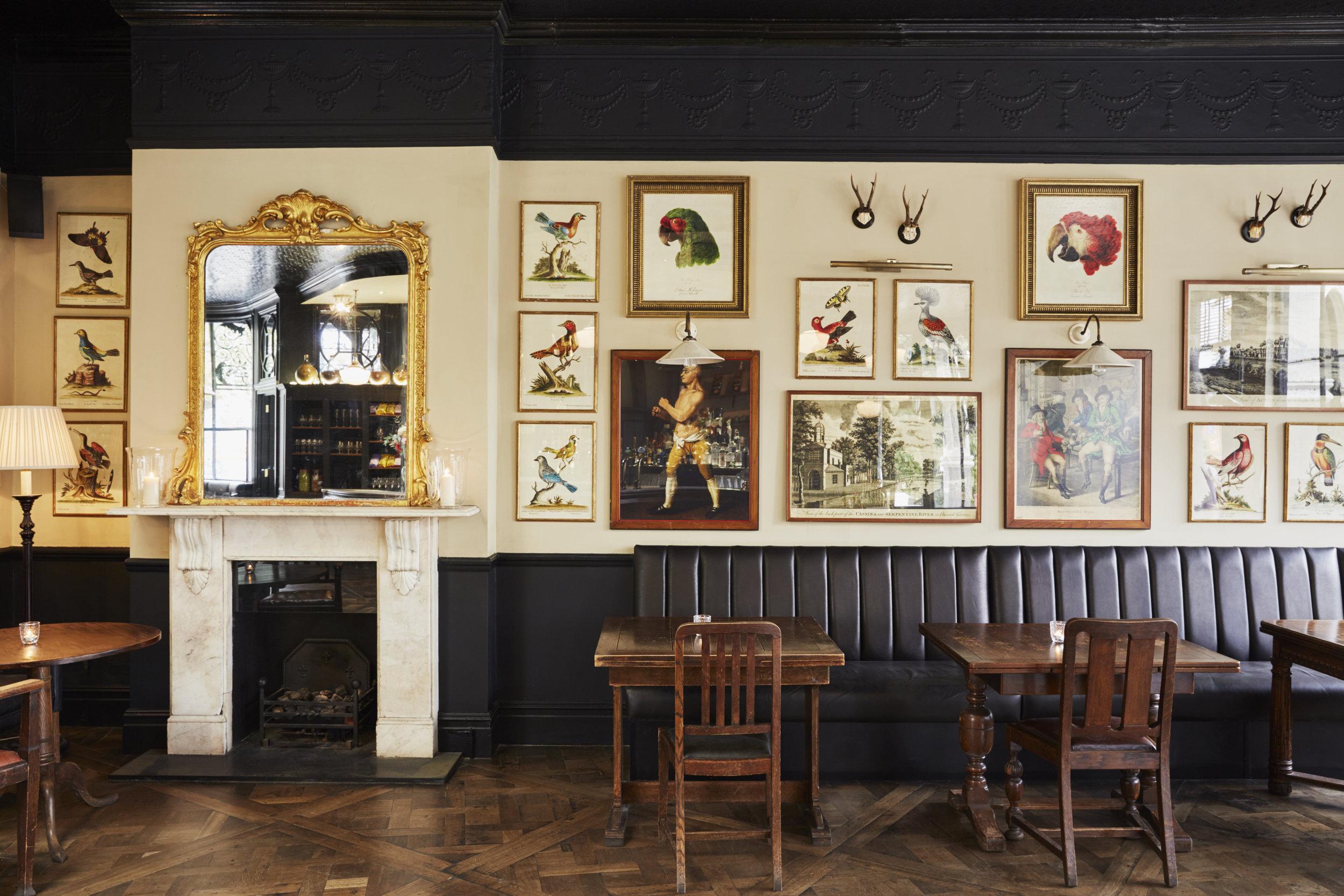 The-bar-at-The-Princess-Victoria-Shepherds-Bush-2.jpg