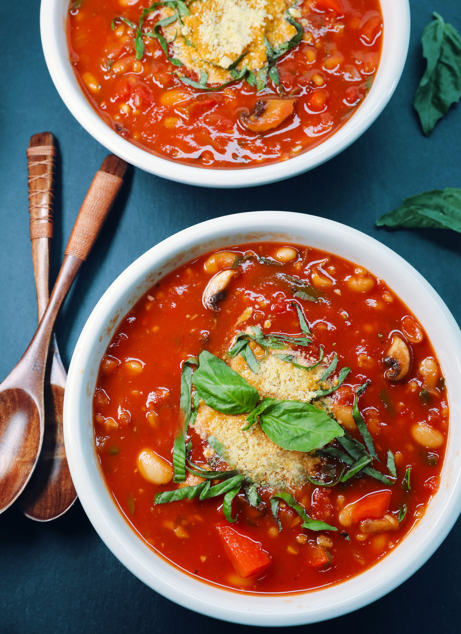 Vegan Pizza Soup with Bell Pepper and Mushrooms