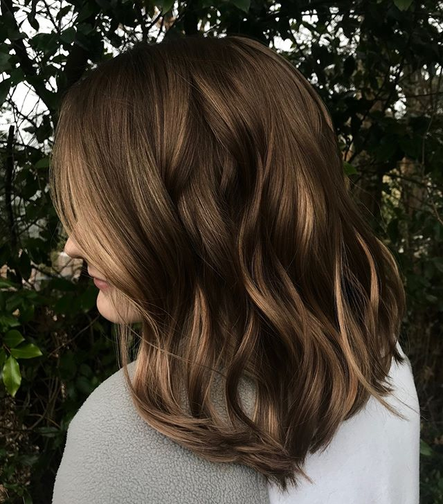 This creamy piece of dimensional art is by @lexpopstyles and I could just stare at it for hours, seriously 🤤 . . . . . #instahair #haircolorist #balayagehighlights #memphishair #memphisstylist #choose901 #ilovememphis #901 #hairporn #memphistn #memphissalon #modernsalon #licensedtocreate  #hairinspo  #bescene #olaplex #dimension #balayage #btcpics #blondehair #balayagehighlights