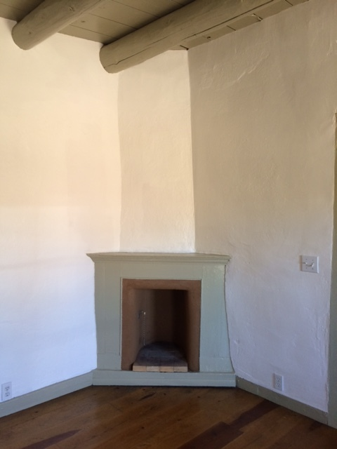 Copy of 5bFireplace.JPG