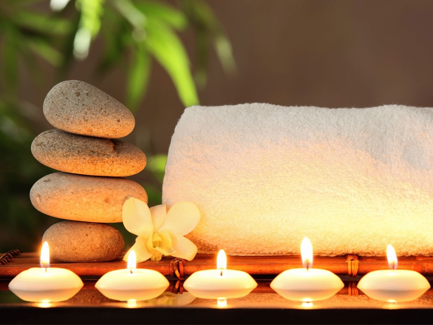 candles-and-towel-154418691.jpg