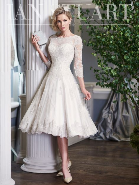 Ian Stuart - Launching his own His main objective is to provide brides-to-be with a luxurious and diverse selection of shapes, colors, and fabrics to reflect their own individual style.