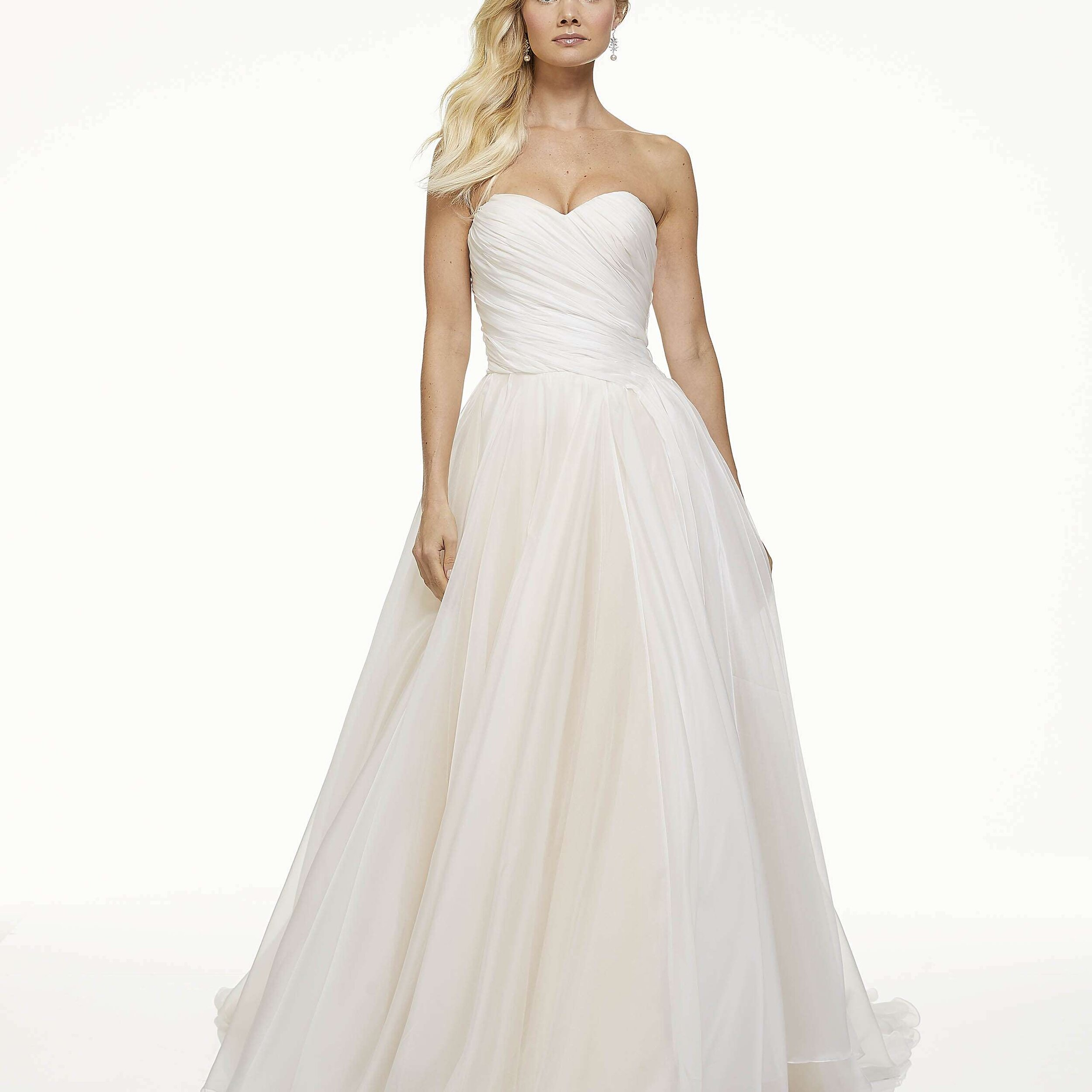 Mark Zunino - Mark is recognized as a leading fashion designer for Hollywood. He is internationally known for his ability to accentuate a women's best features. His designs are unique, feminine while still embodying a modern elegance for women of all shapes, sizes, and age.
