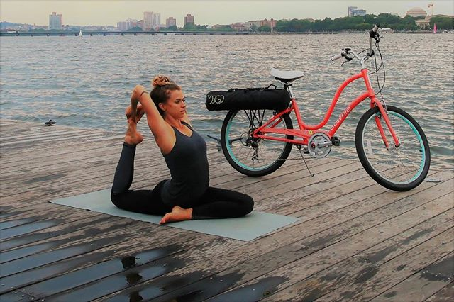 Whether it's hitting the trails for a bike ride or trying out yoga on water, there are a ton of ways to stay active while traveling! Read more here: http://ow.ly/F24z30iHKxM . . .  #mogi #mymogibag #yoga #yogi #yogaandcycling #girlswhobike #yogamatbag #yogamatbags #yogamat #namaste #bikelife #travel #active #yogalife #yogi
