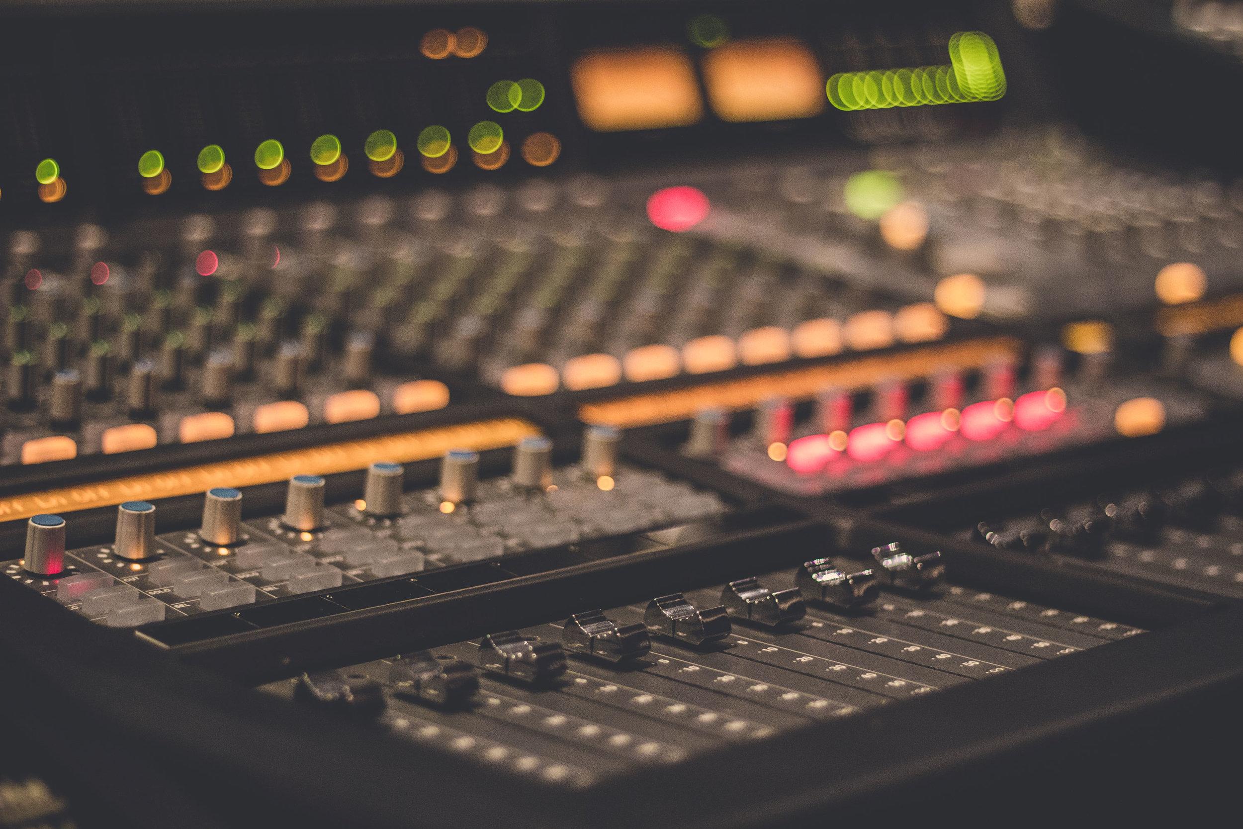 Edmonton-Recording-Studio-5.jpg