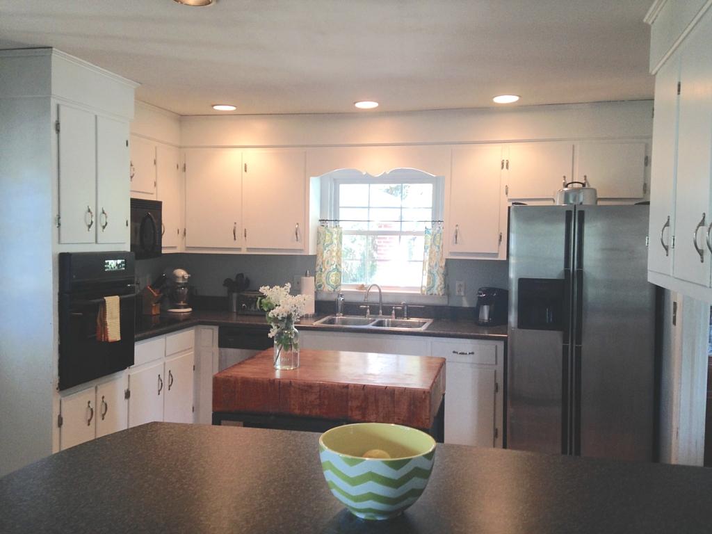Holl & Lane Magazine // Painted Kitchen Cabinets