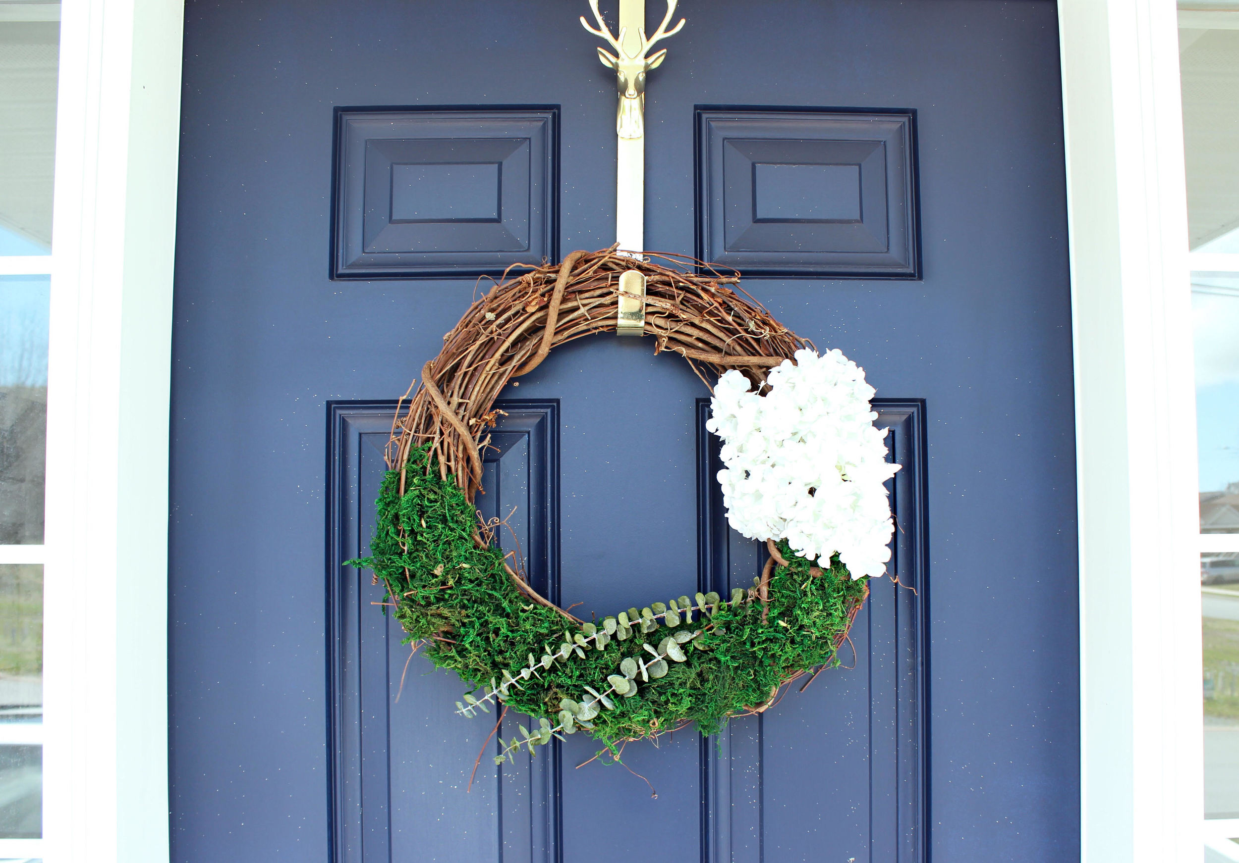 Summer Themed Wreath #DIY // Click to read more or re-pin for later!