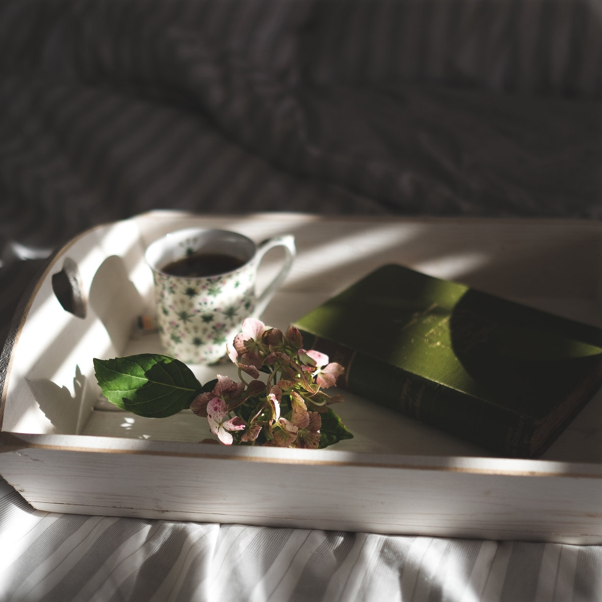 3 Simple Self-Love Practices to Embrace Today. Read more from Holl & Lane Magazine at hollandlanemag.com/blog