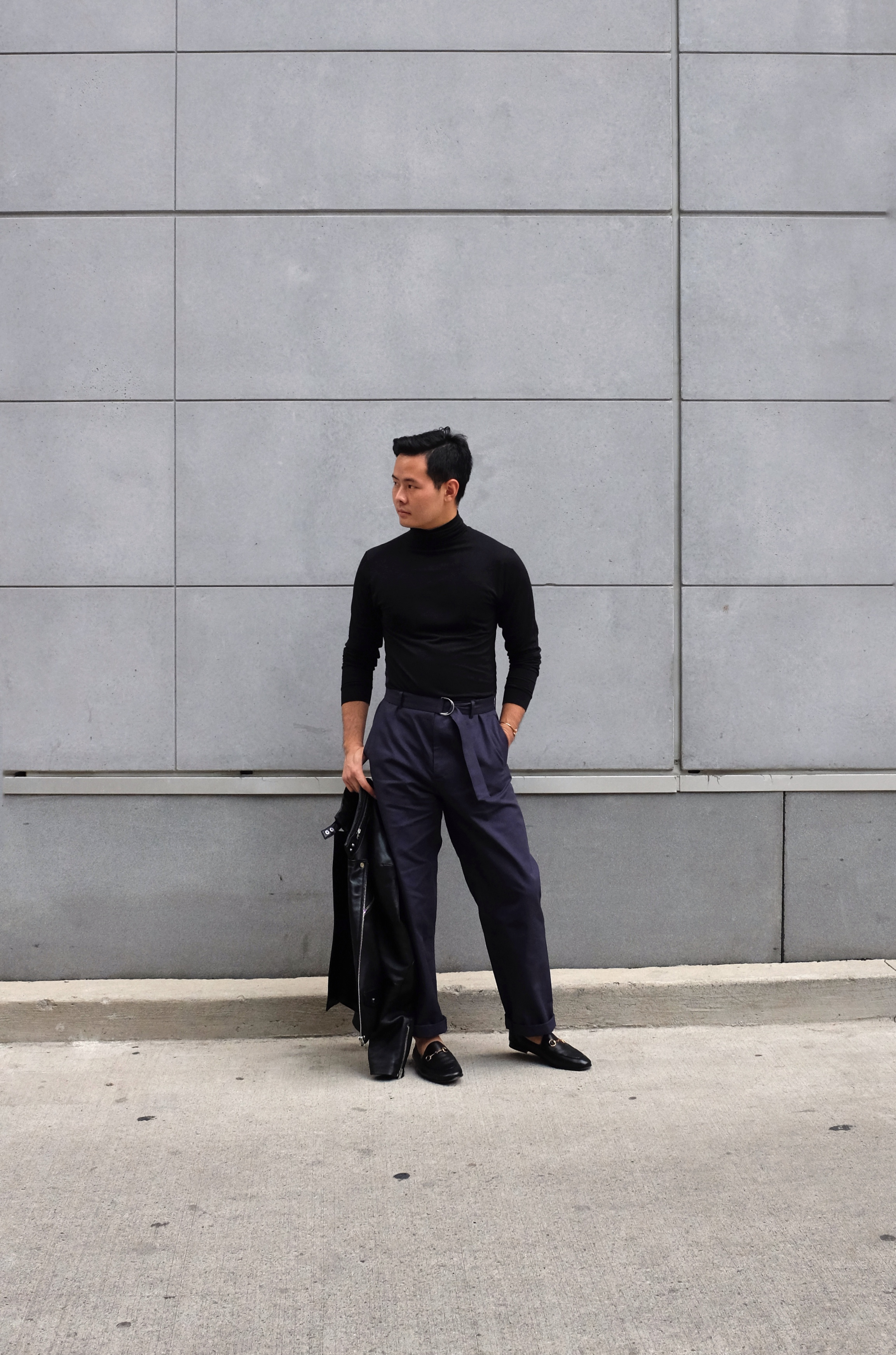 The roomier pants worked fantastically with a tighter turtleneck.