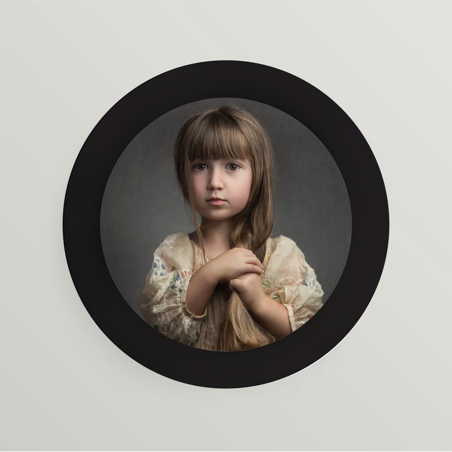 02 | Black matte wooden frame
