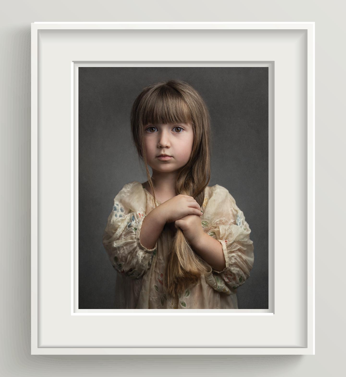 01 |White mat, White matte wooden frame