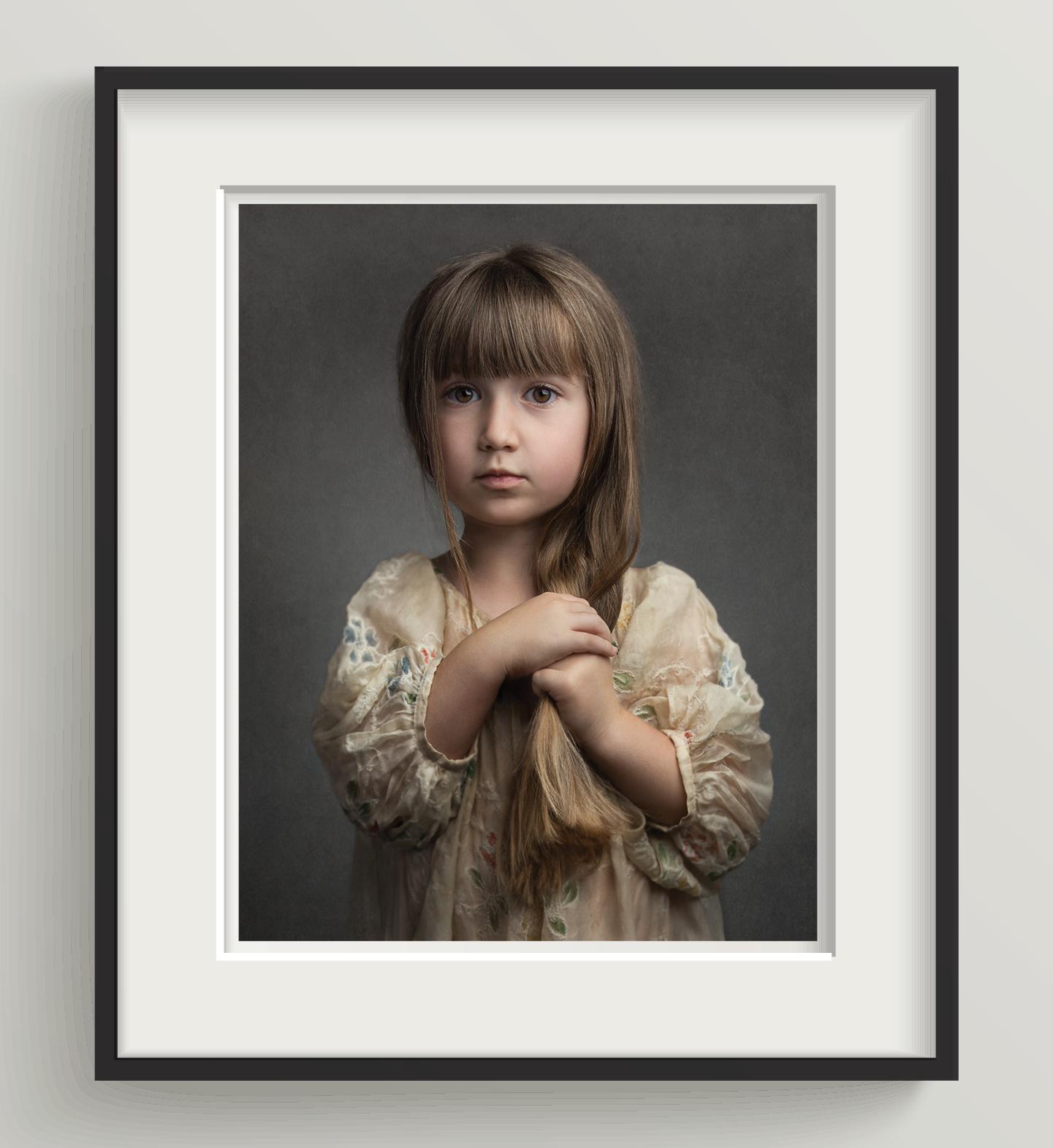 02 |White mat, black matte wooden frame