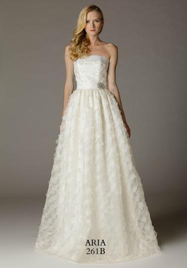 261b-aria-wedding-dress-primary.png