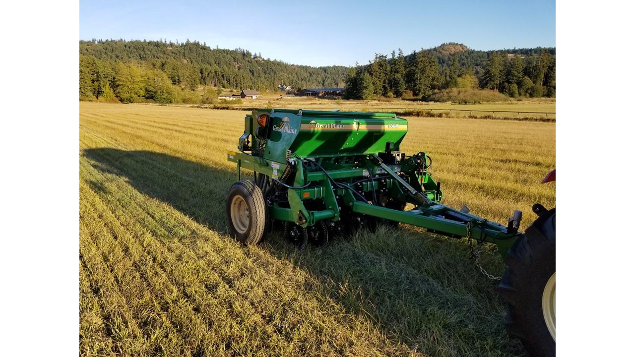 No-till drill planting Fall 2018 on LaCrover Farm, SJI
