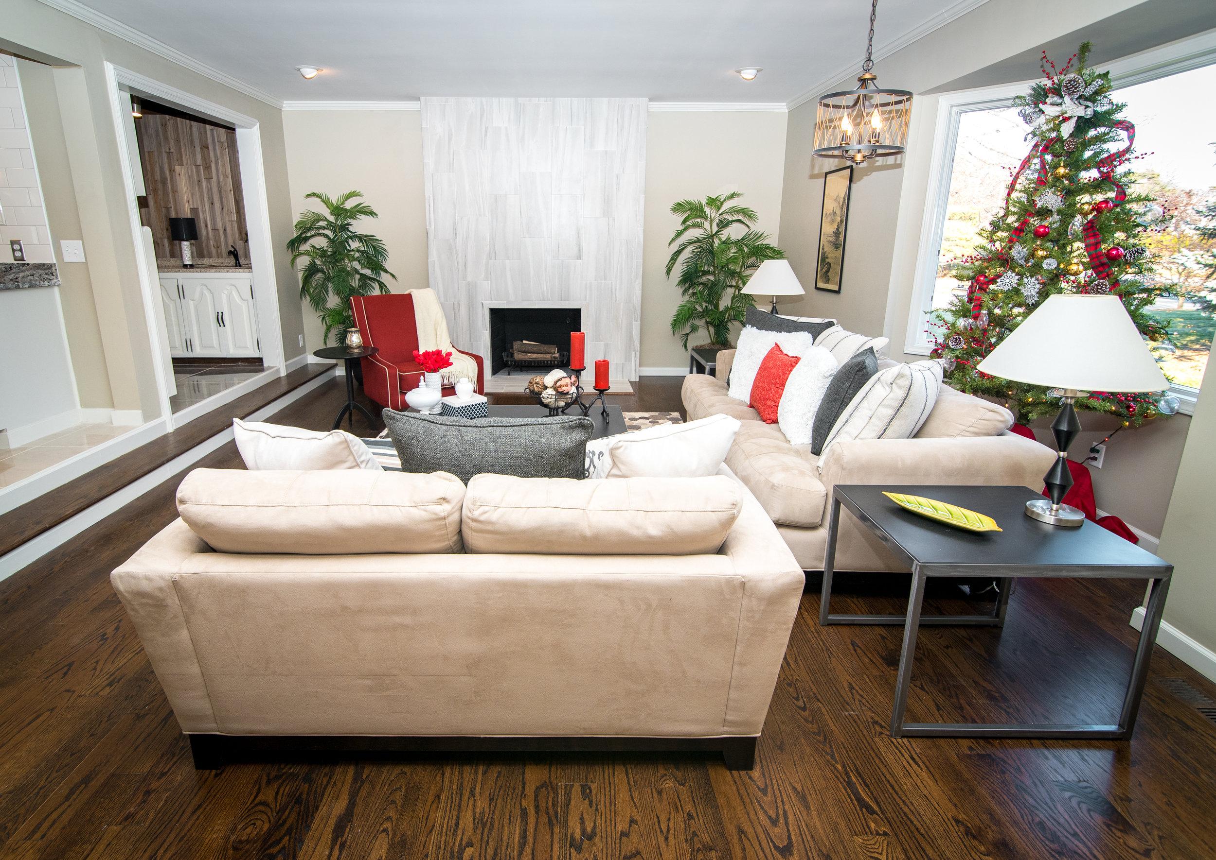 12-8-17 975 lakeshore real estate 25_.jpg