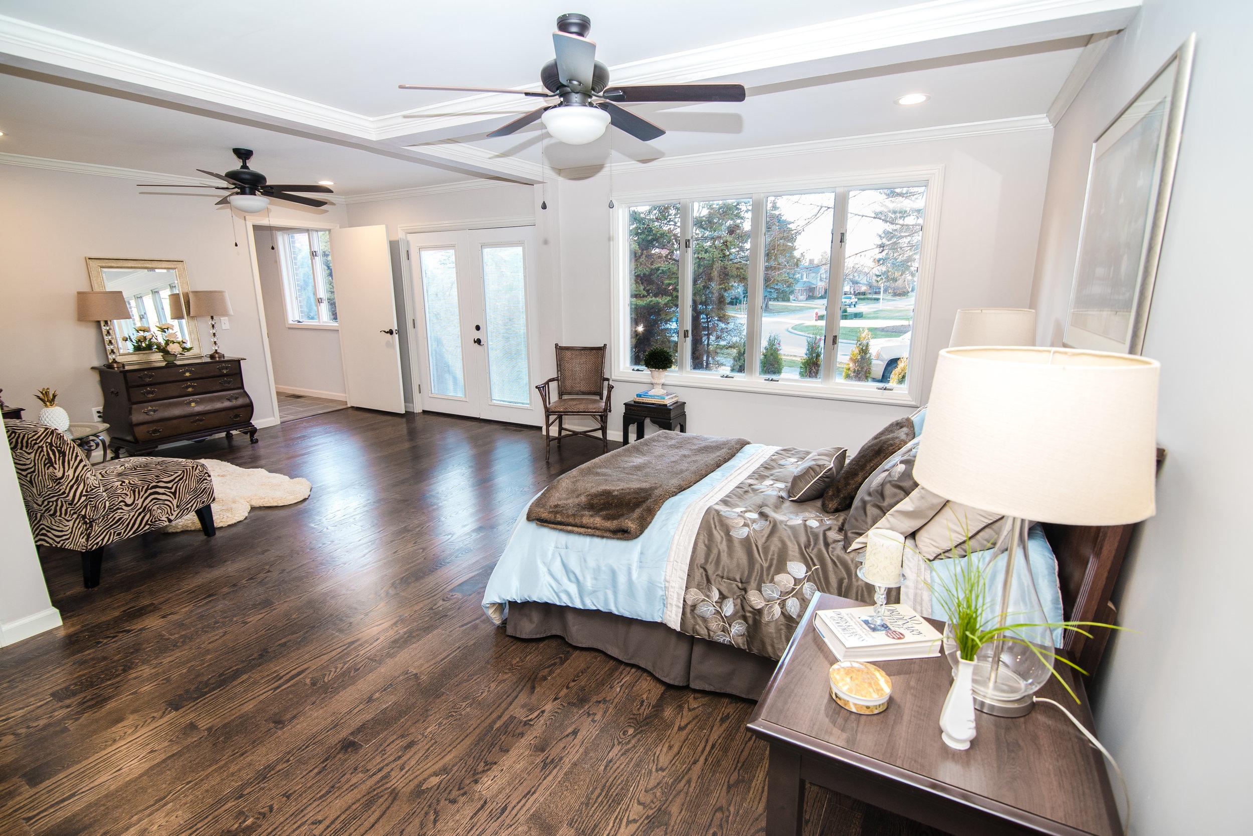 12-8-17 975 lakeshore real estate 177_.jpg