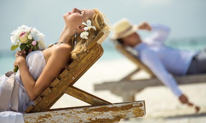 beach chair bride.jpg