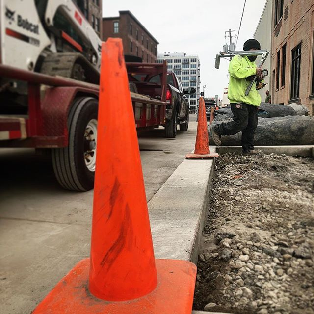 @kensmithworkshop . More Cones Were Spotted on SW 5th in DSM on Friday 🧐