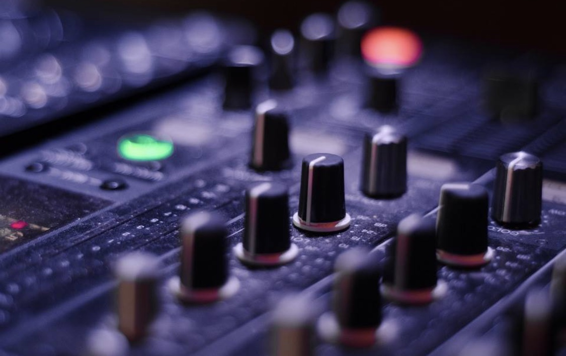 Learn to DJ - DJing Lessons start March 1st 2019@Room8 Phillipstown Hub