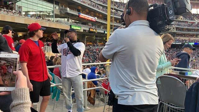 Can You Tell I Love What I Do!!! TWINS SEASON GOING NUUUTTYYY!!!! @twins . . #Twinsterritory #twinspics #targetfield #mlb #mntwins #twinsvswhitesox #minneapolis #baseball #likeforlikes #instagram #chicago #wshh
