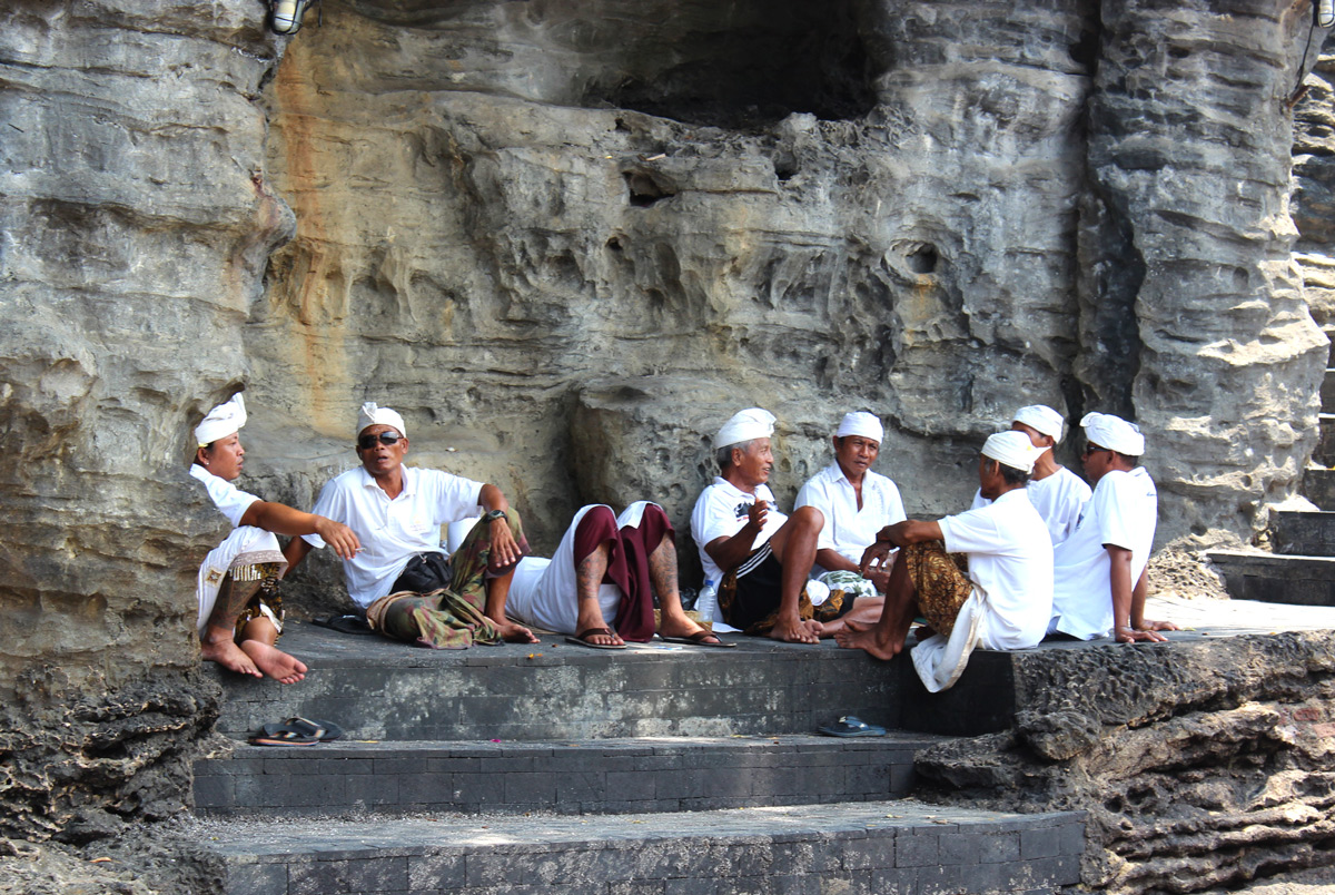 Bali Tanah Lot workers We the lost girls