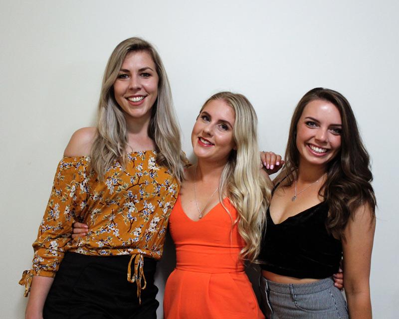Girls Weekend in Gold Coast group shot