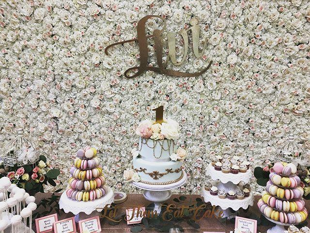 Happy 1st Birthday 🌸🌷🌹🎉✨ Deserts by @madebymichelle 🎂  #vancouverphotobooth #photobooth #eventrentals #vancouver #yvr #party #celebrate #marriage  #flowerwall #flowerwallvancouver #flowerwallvancity #artificalflower #yvrphotobooth #saycheesevancouver #vancouverflowerwall #birthdayparty #babyshower #flowerwallbackdrop #bridetobe #engaged #proposal #yvr #vancity #vancitybuzz #theknot #100daycelebration #vancouverbride #vancitybride