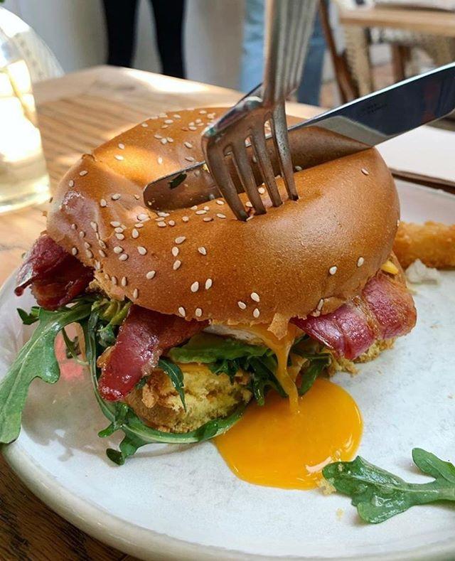 Have an egg-cellent Friday. Whats your plans this weekend? 😍 📷: @mzjensyy . . . #flowerchildcafe #lovefood #SydneyLocal #breakfastporn #breakfastinsydney #breakfastfordinner #breakfastfood #food #foodie #cpmonlinemarketing #foodpornshare #foodporn #foodpornography #eeeeeats #eatme #sydneyeats #sydneyfood #sydney #bestfood
