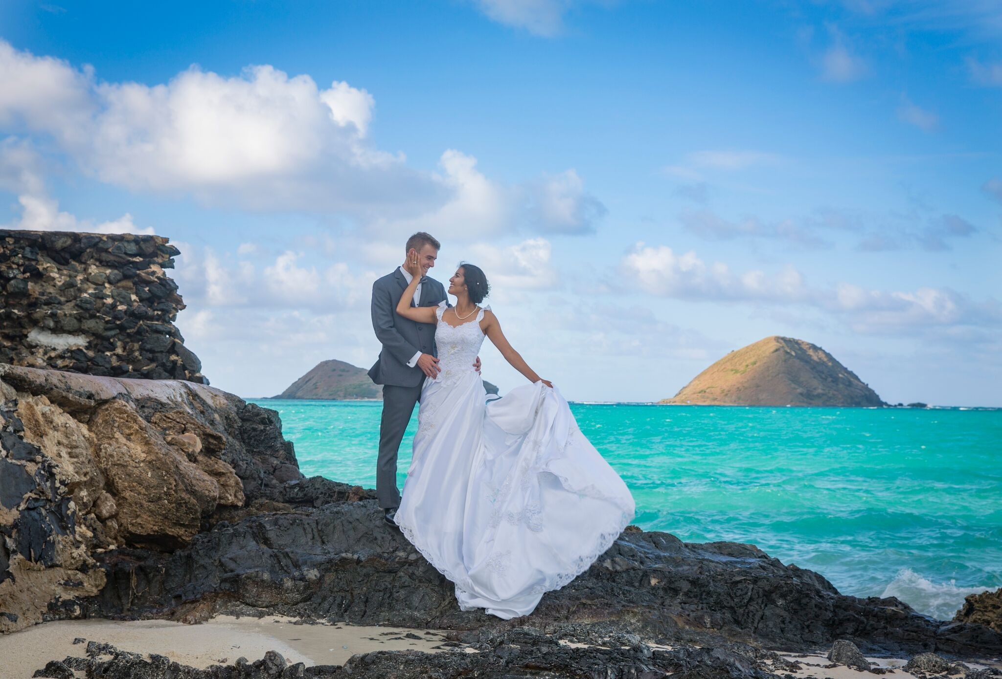 Photo by Pure Media  Hawaii Wedding