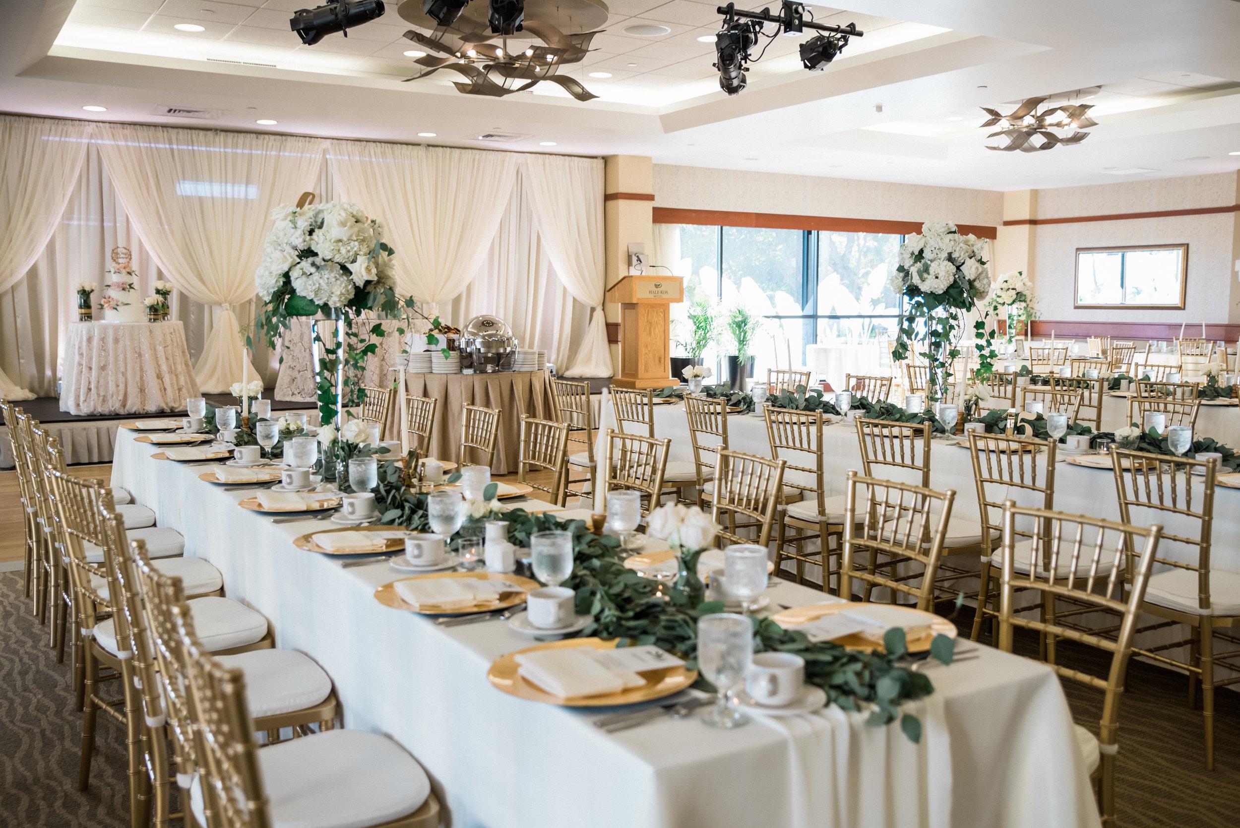Romantic + gold accent tablescape (Photo by Joseph Esser)