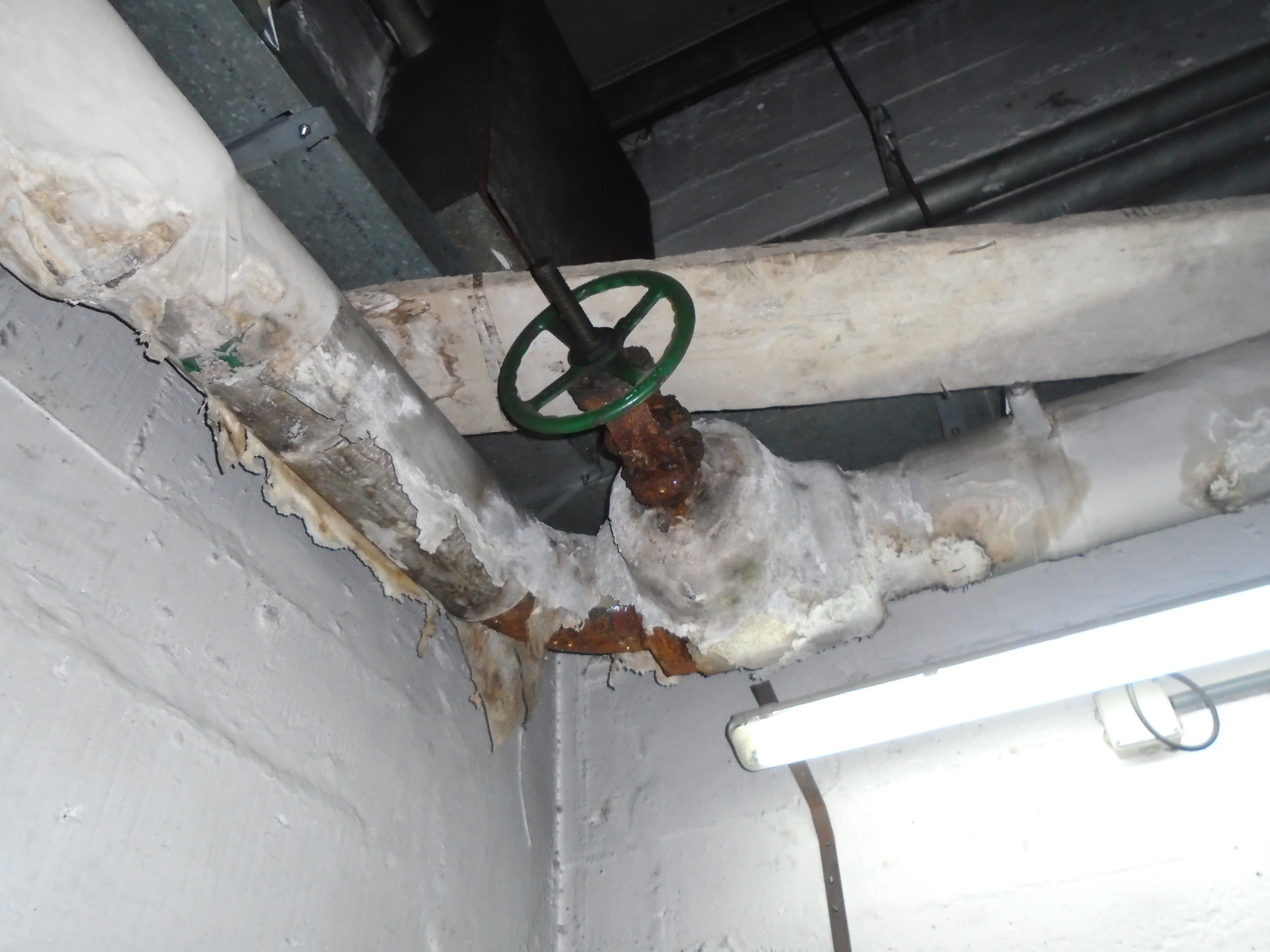 Asbestos pipe insulation found in African hotel