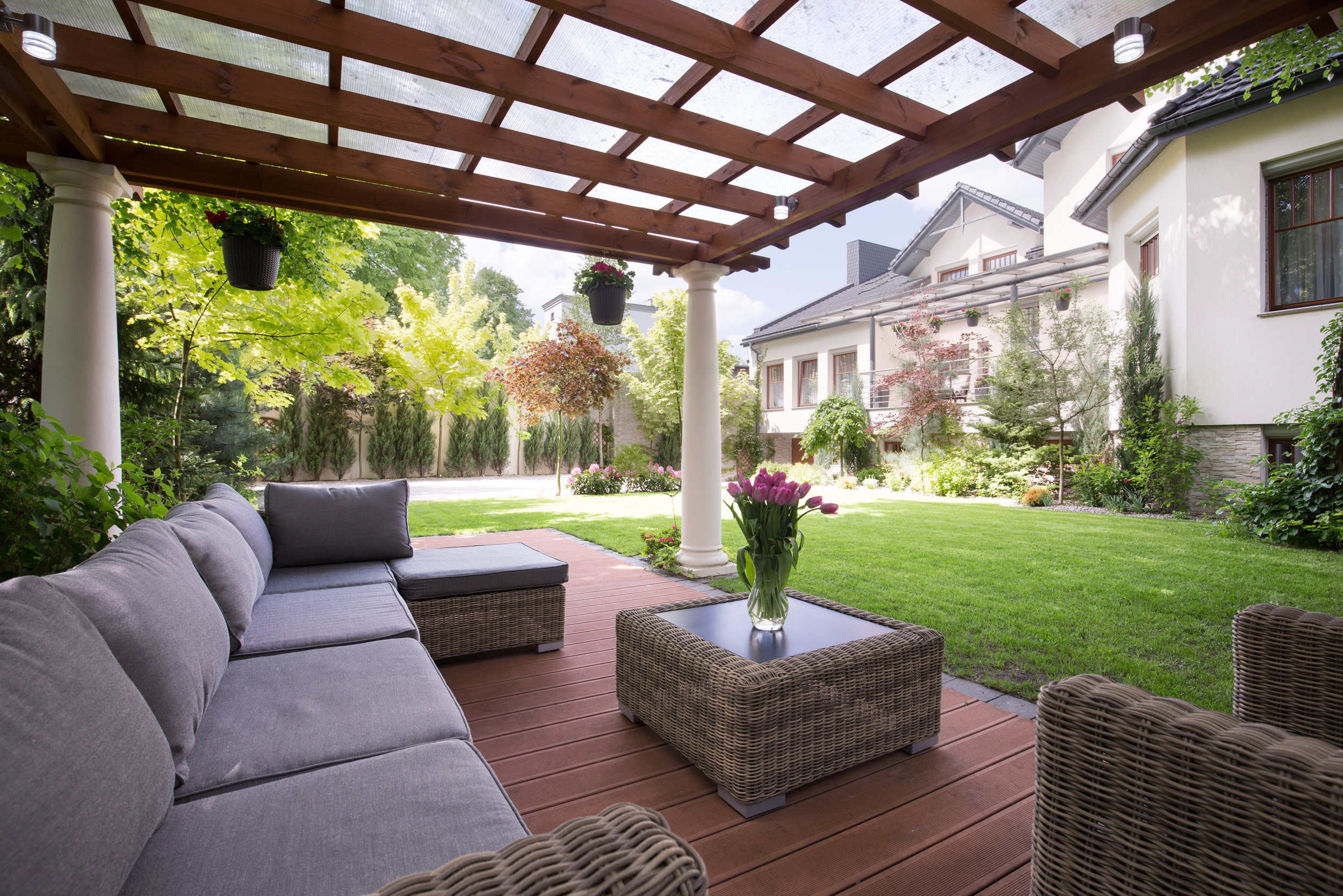 Luxury-garden-furniture-505821550_5760x3840.jpeg