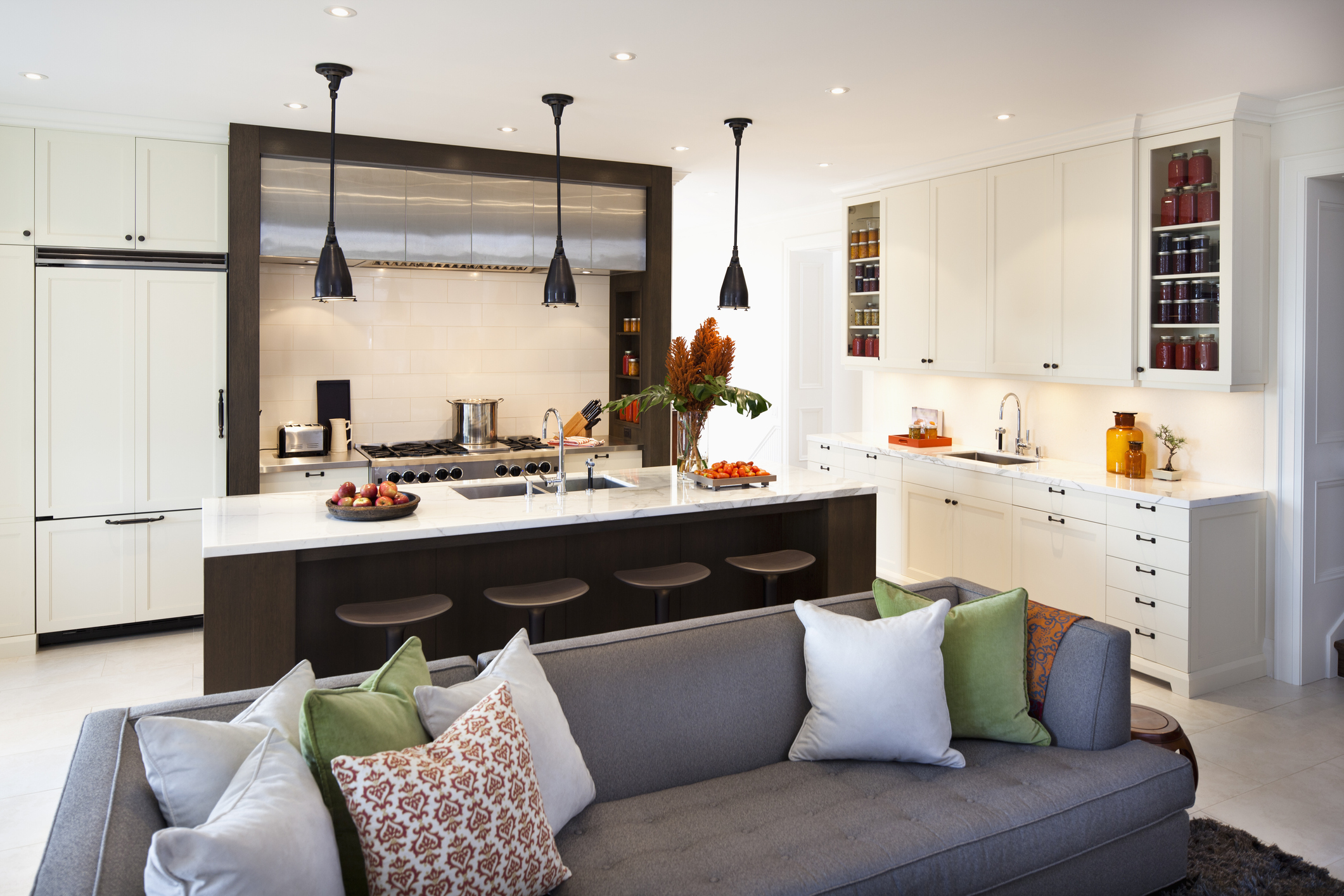 Modern-Kitchen-157677305_2122x1415.jpeg