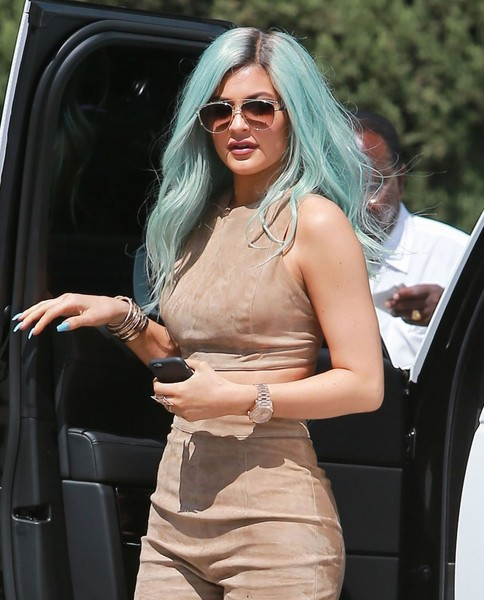 Kylie+Jenner+Shows+Off+New+Look+SHNtVTUWE_yl.jpg