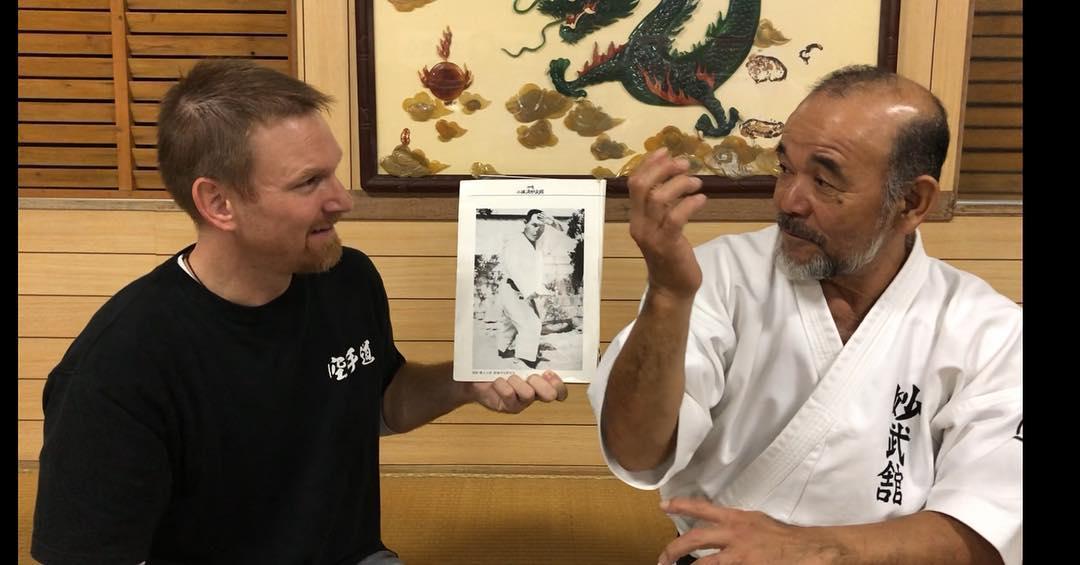 Josh Simmers talking with Masaharu Higa Sensei