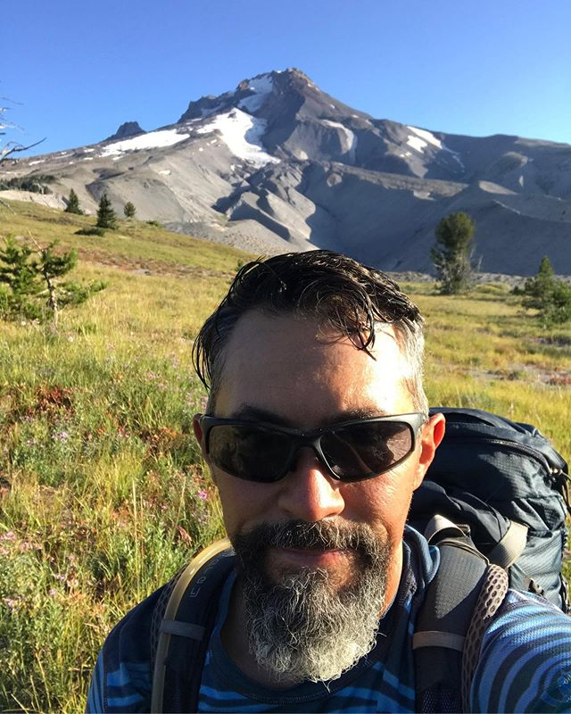 Welcome to Mt Hood! There are people still skiing up there ⛷ in August 🤯. We're only a few days from finishing this state and on to Washington. #pct2019 #pctclassof2019 #mthood #rei1440project #oregon #optoutside #getoutside #trekkingtoes