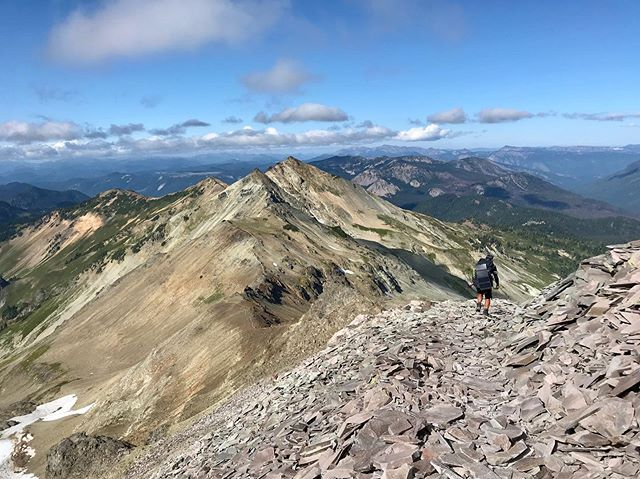 The Goat rock wilderness is probably my most favorite part of the PCT so far. the terrain is sooo amazing. #pct2019 #rei1440project #PCTig #rei #pct #goatrockswilderness #trekkingtoes #thedyrt #pctclassof2019 #momwegotthis
