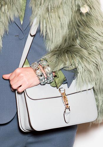 bcd3ed76-3c36-44bc-bf51-bdb4e83b326d-designer-handbag-fashion-tips-01.jpg