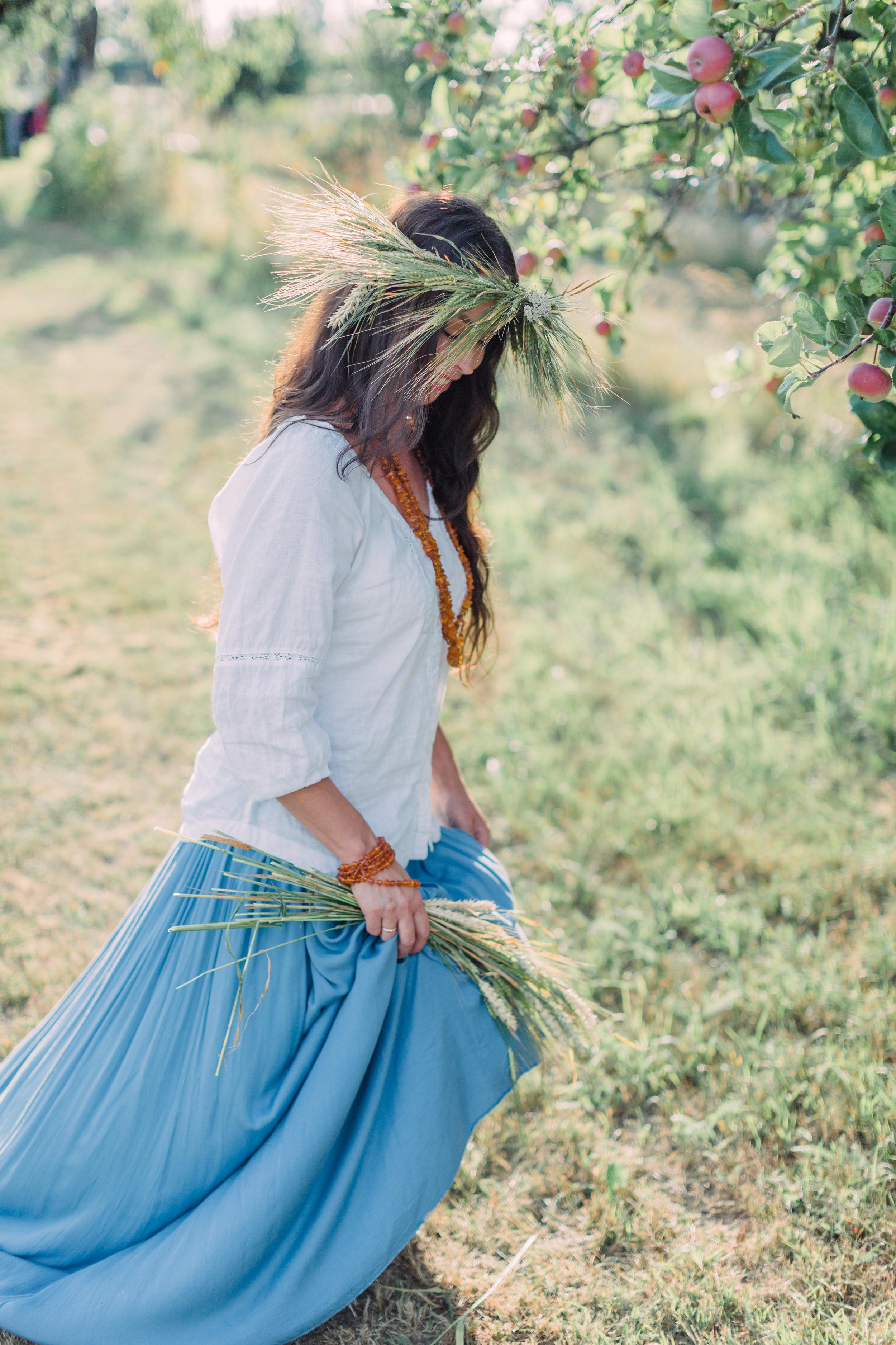 Vitalija & Ieva - Farm Editorial Photo Session_Fine Art Photography_Lithuania_London_UK_2018_Joana Senkute Photography