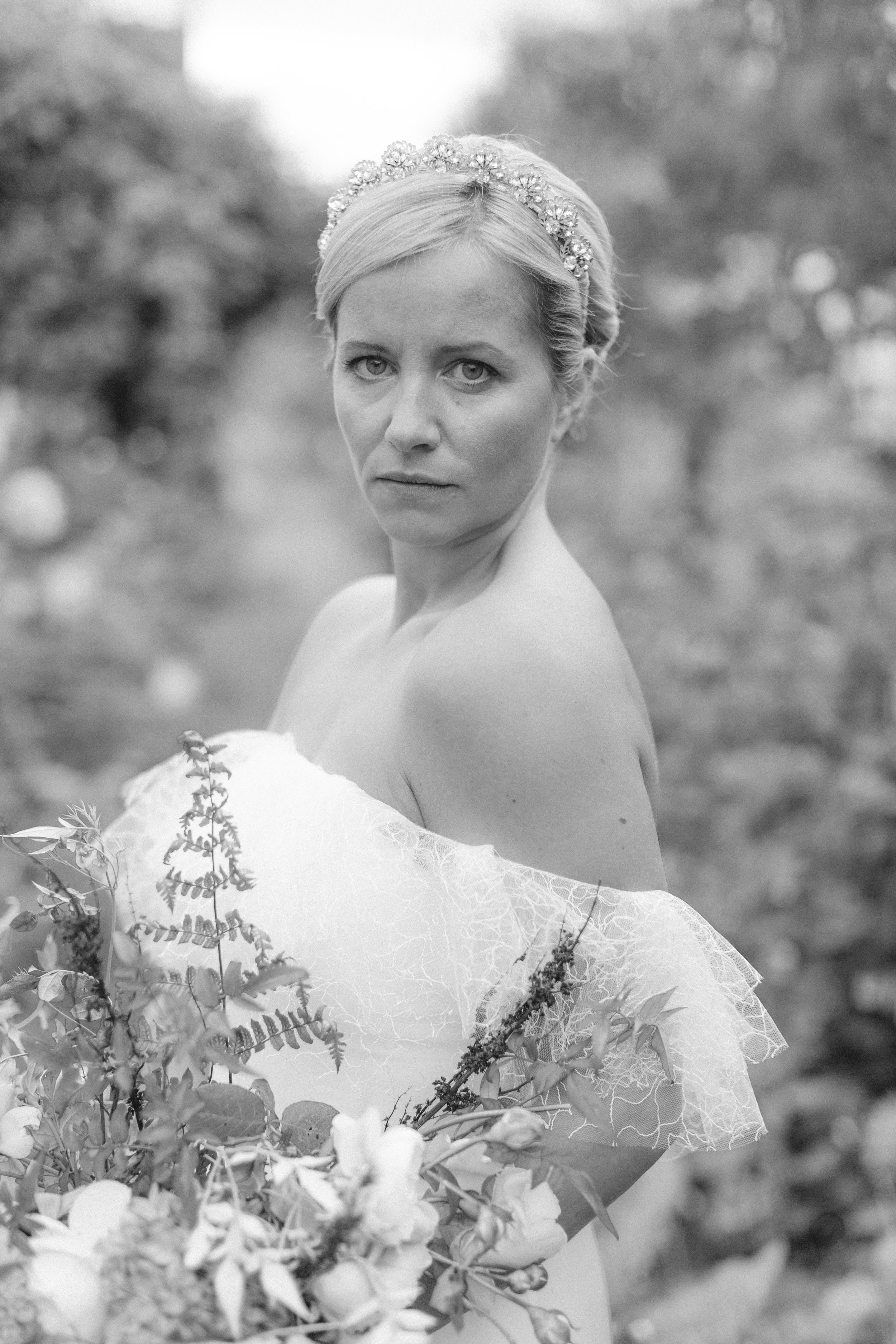 Wedding Fine Art Photography_Bride_UK_Joana Senkute Photography_BelleAndBeauWorkshop_FirenzaFlowers_AgnesHart_HolmeFlowersFarm_Yorkshire