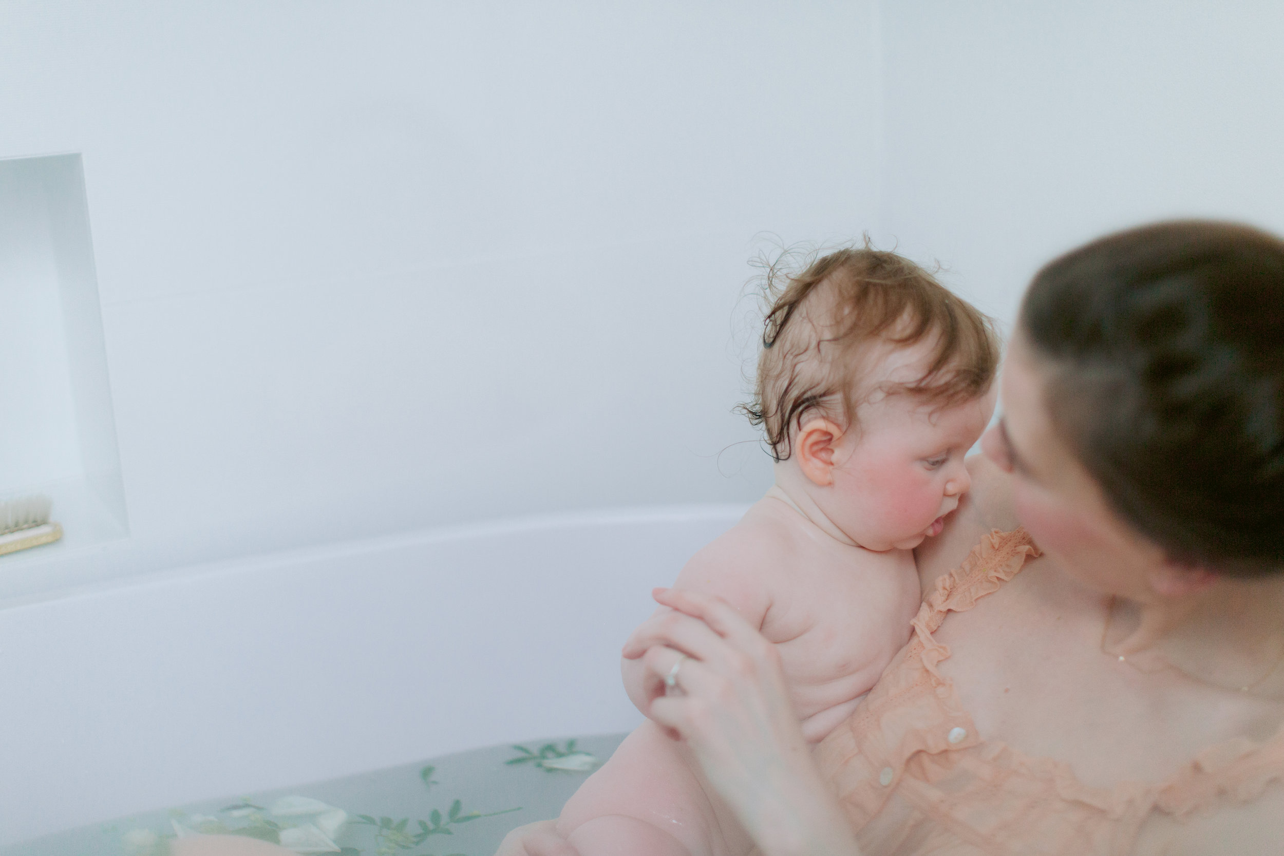 Ernesta & Liepa_Motherhood photo session_Bath_London Liefestyle Photogrqapher_Joana Senkute Photography
