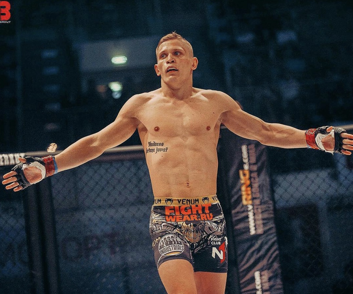 Sergey Khandozhko - Sergey Khandozhko is a Russian Mixed Martial Artist fighting in the Welterweight Division (170lb) of the Ultimate Fighting Championship.🔗Instagram
