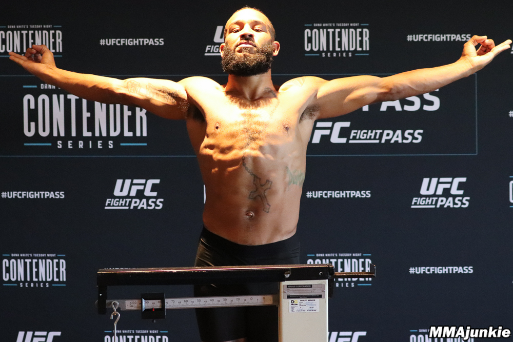 Anthony Adams - Anthony Adams is an American Mixed Martial Artist fighting out of Colorado. His lone loss coming up a weight class on Dana White's Tuesday Night Contenders Series, Anthony rebounded with a KO win and is now looking to put himself in a position to appear on DWTNCS again at his normal weight of 170lbs.🔗Facebook