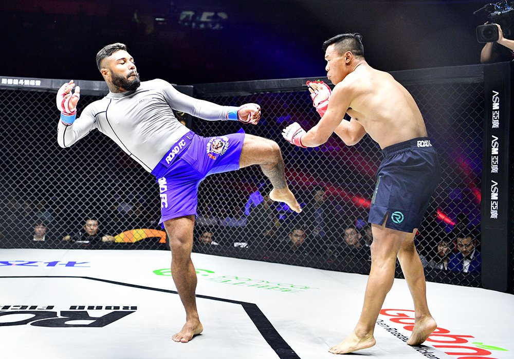 Bruno Miranda - Bruno Miranda is a Brazilian Mixed Martial Artist fighting in the Featherweight (145lbs) division. He is a sponsored fighter at the famed Tiger Muay Thai fight camp in Phuket Thailand. He is sponsored by Envisage.🔗Facebook | Instagram